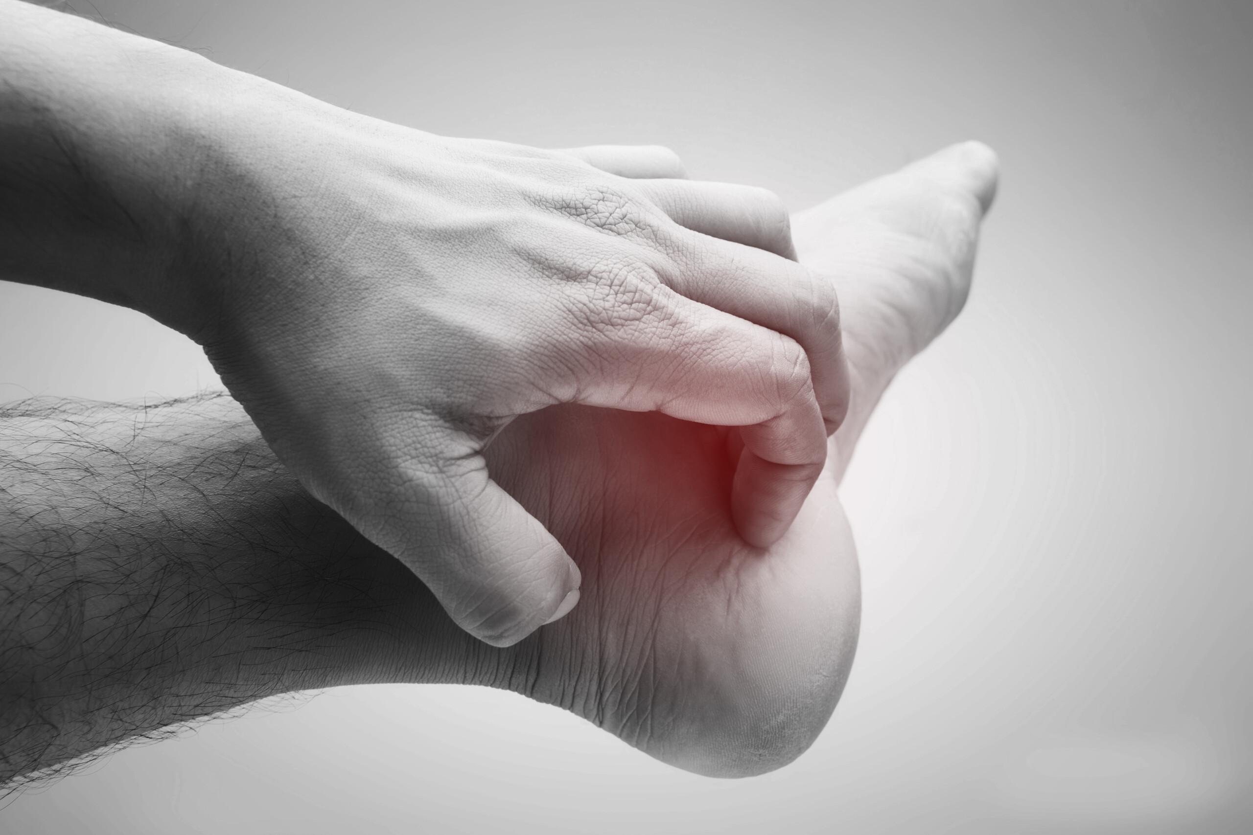 Plantar Fasciitis Pain vs. Heel Spur: Symptom Comparison