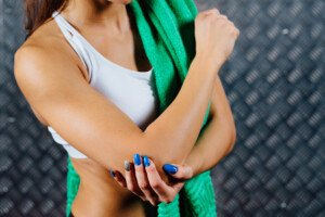 How to Do Lat Pull Downs with Golfer's Elbow
