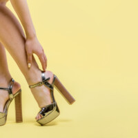 Should Tall Women Wear High Heels to Please Their Husband?