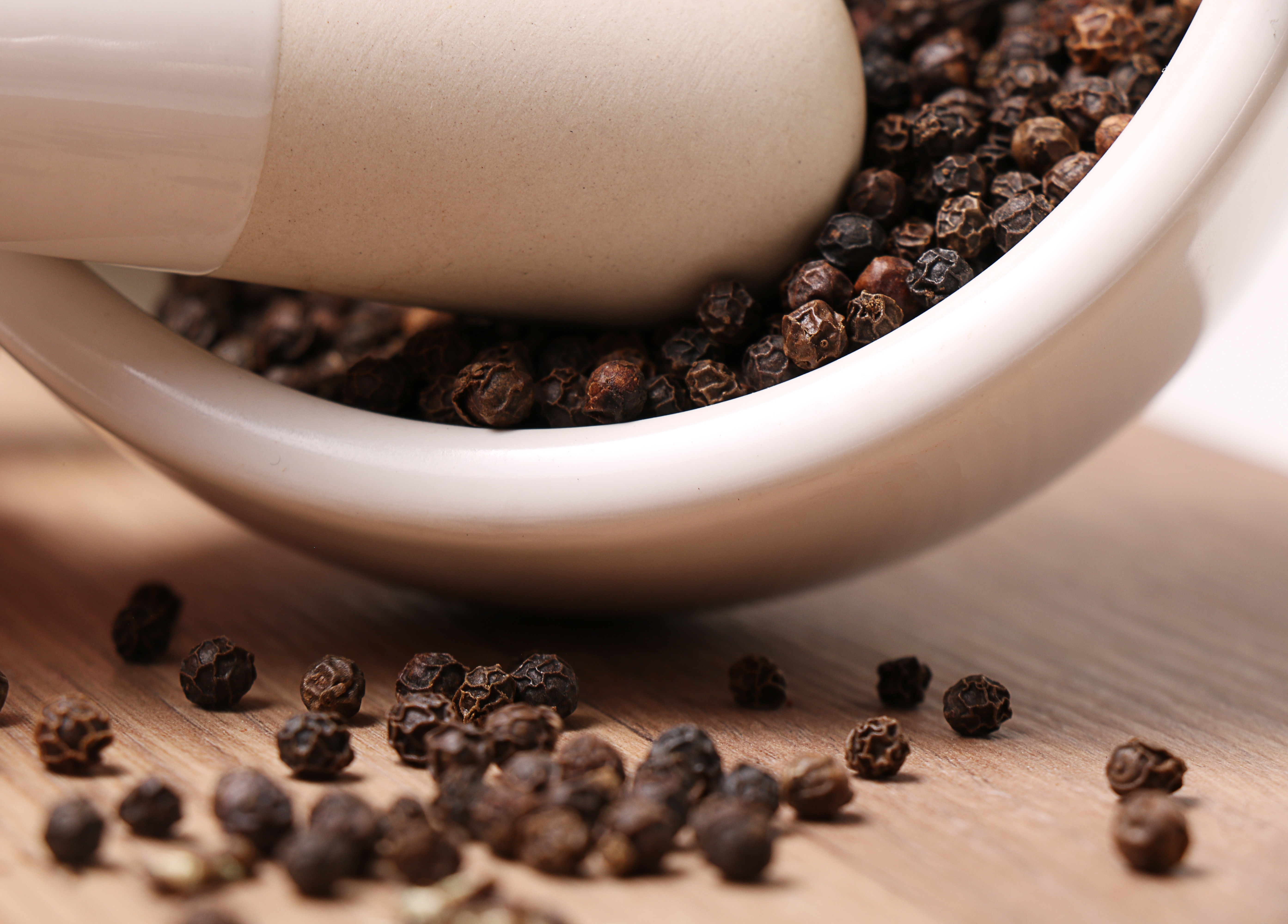 Why Acid Reflux Can Cause Pepper Taste in Mouth