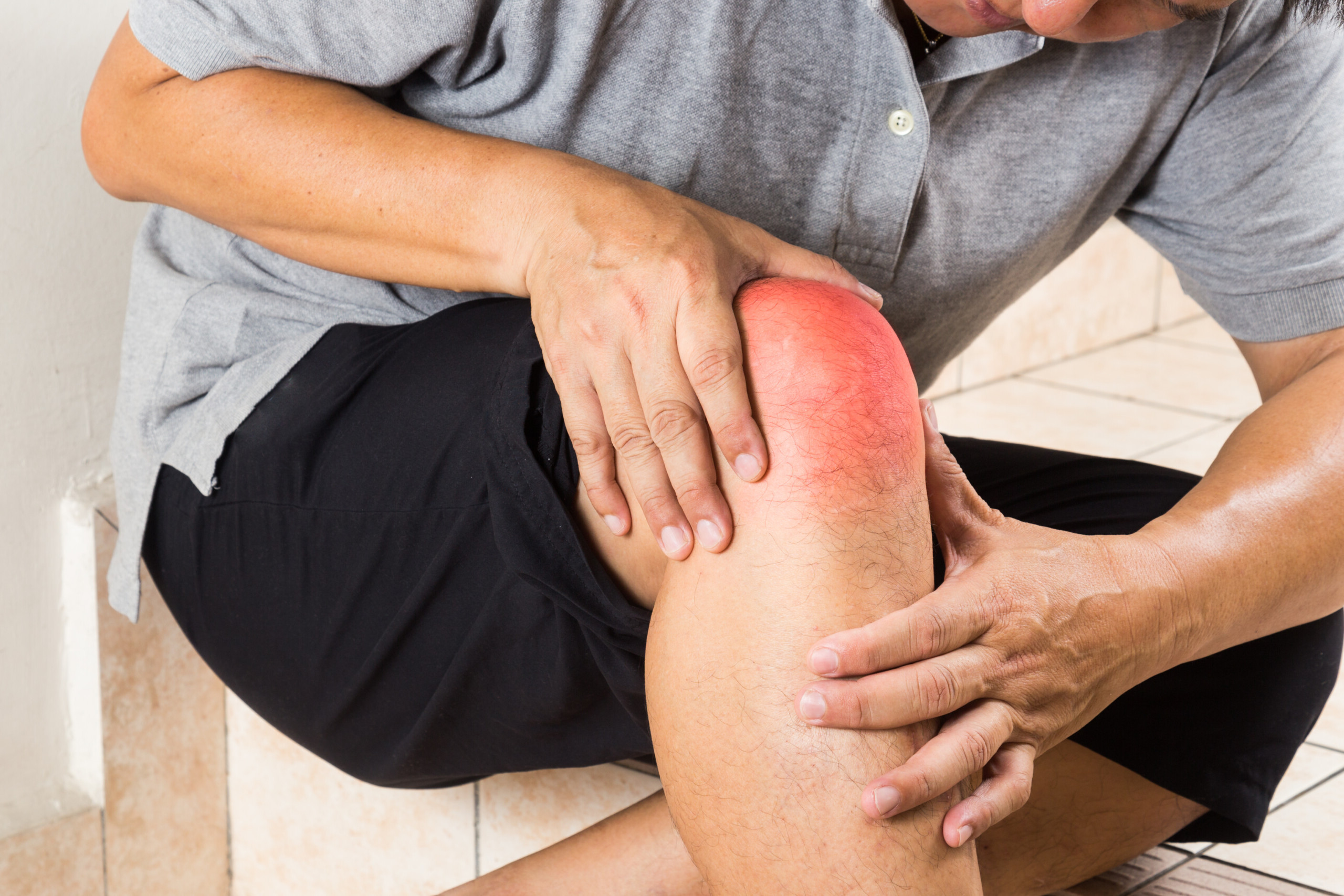 Knee Pain Using Staircase but not Running: Cause, Solution