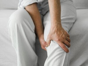 Knee Pain after Hip Surgery: Causes, Solutions