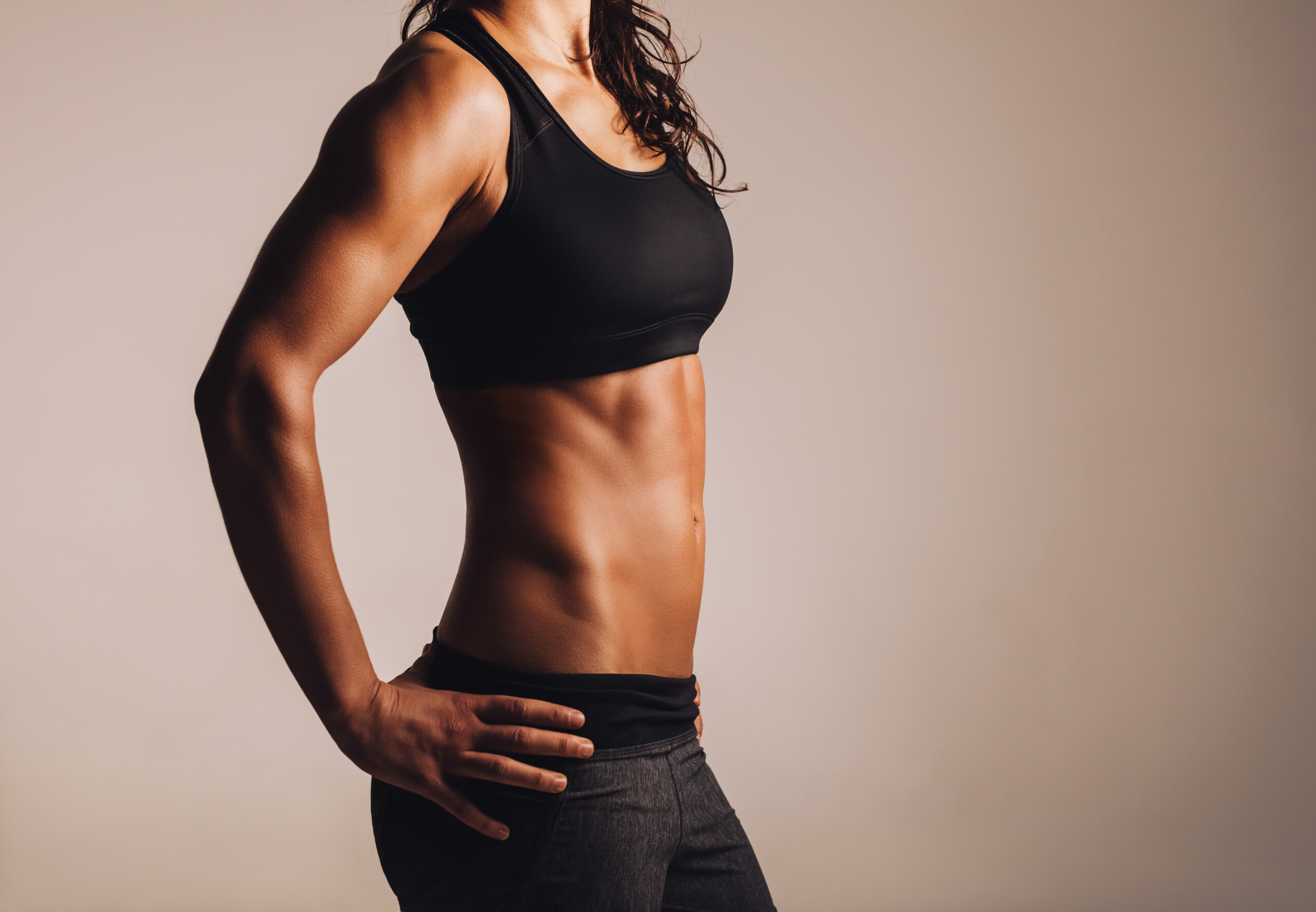 Is it Unhealthy if a Woman's Hip Bones Show?