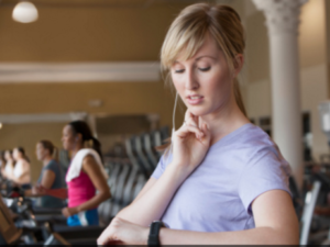 How to Take Your Heart Rate on Your Body While on a Treadmill