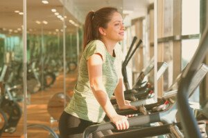 Can Holding onto the Treadmill Hurt Your Shoulders?