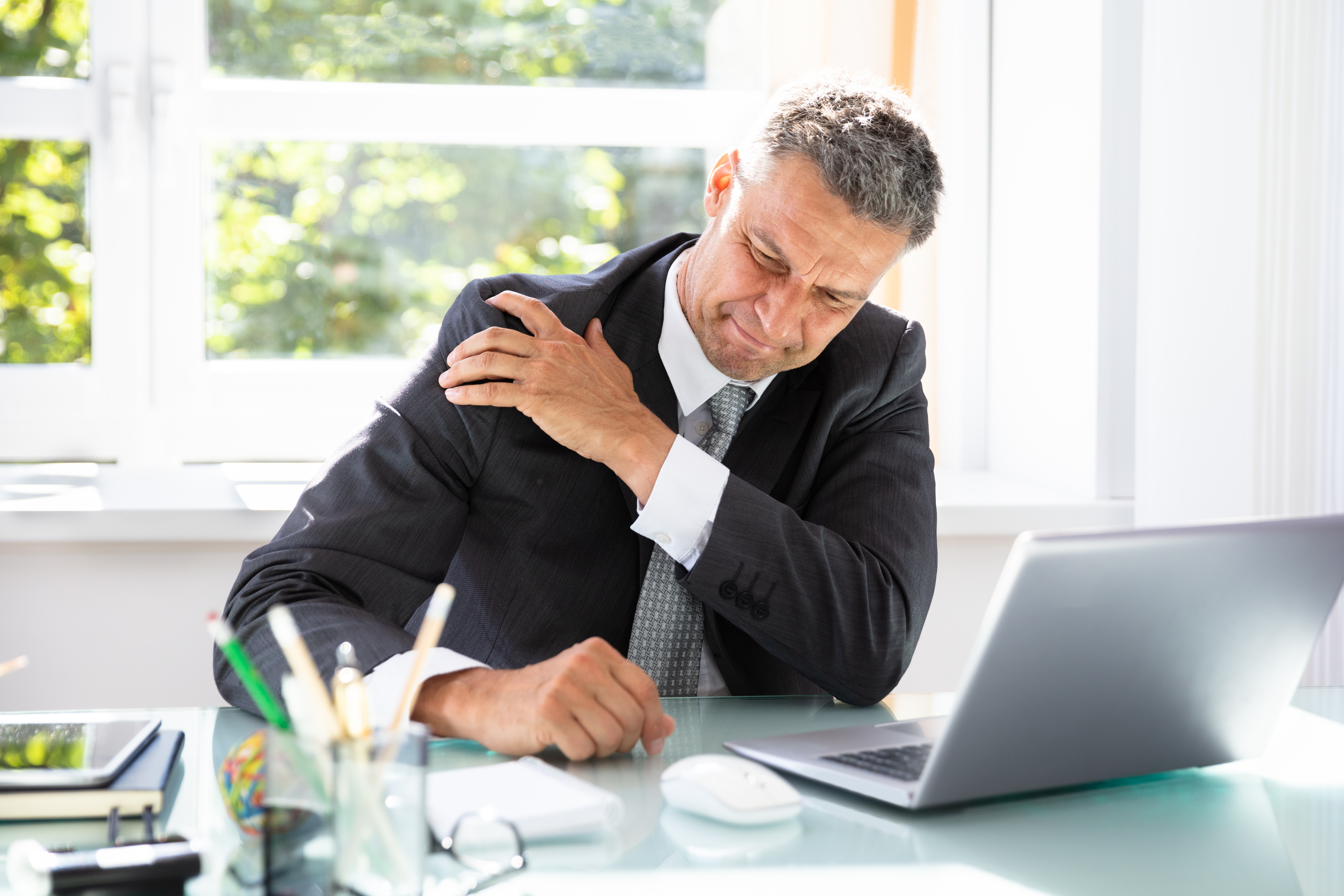 Shoulder Pain from Heart Attack vs. Pinched Nerve in Neck