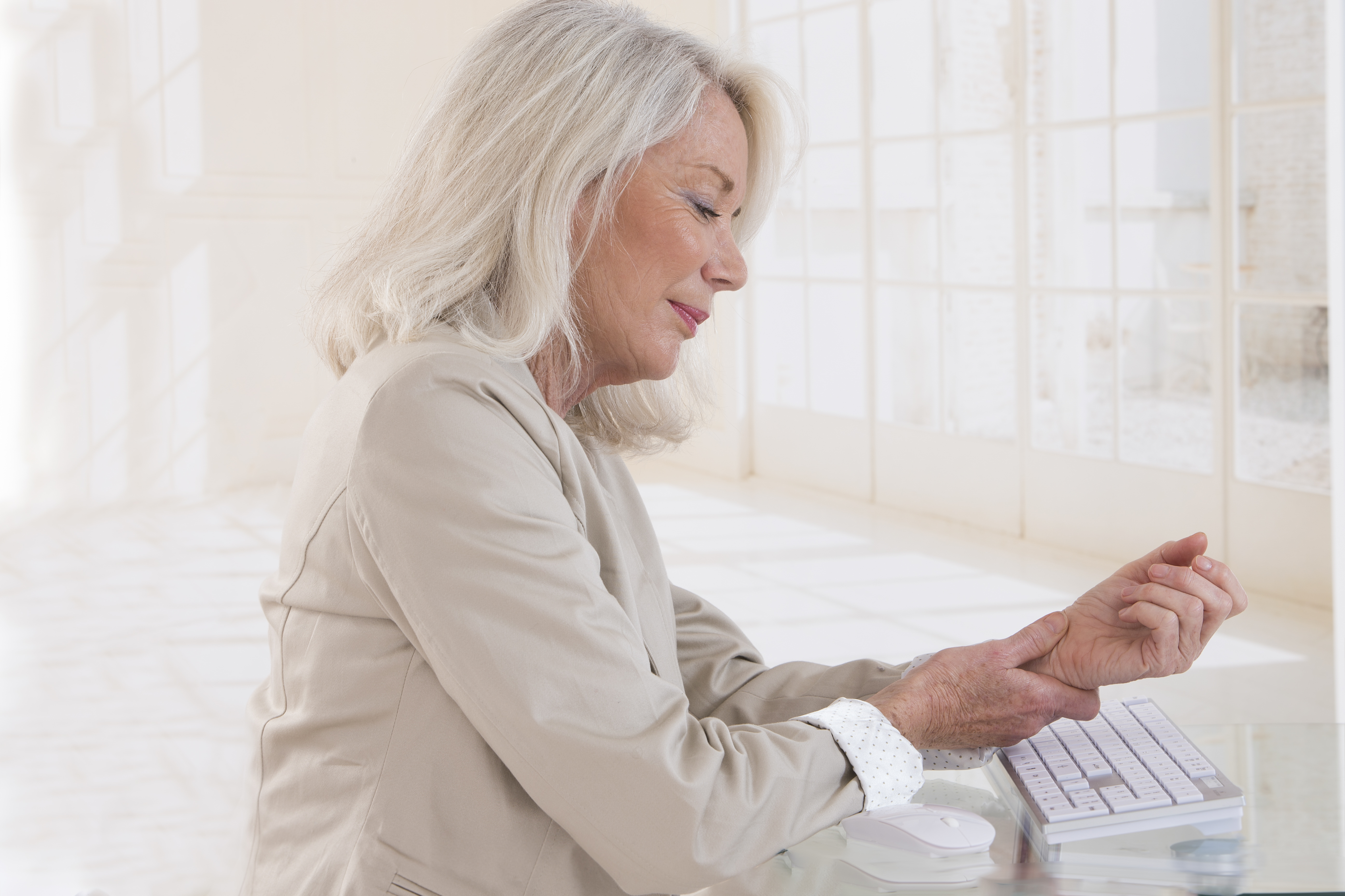 Can Carpal Tunnel Syndrome Cause Fingers to Twitch?