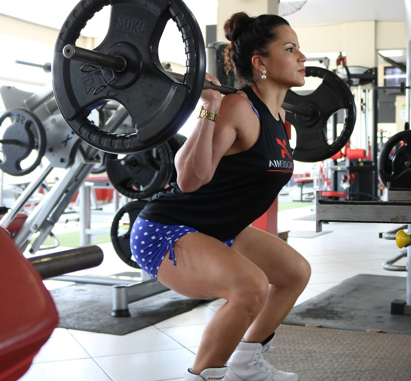 Do Barbell Squats Hurt Your Shoulders? Pain Prevention Tips