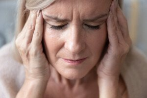 Causes of Dizziness While Eating in the Elderly