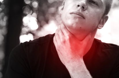 Does Low Thyroid Cause a Lump Feeling in the Throat?