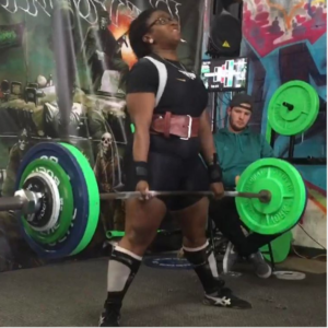 Ogechi Akalegabere performing the deadlift in competition.
