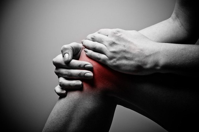 Why Your Knee Keeps Hurting Even Though You're Physically Fit