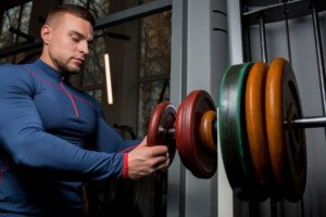 People at Gyms Wiping Down Barbells but not the Plates?
